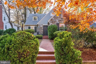 4822 Langdrum Lane, Chevy Chase, MD 20815 - #: MDMC694570