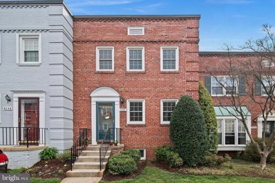 6737 Kenwood Forest Lane UNIT 39, Chevy Chase, MD 20815 - #: MDMC700830