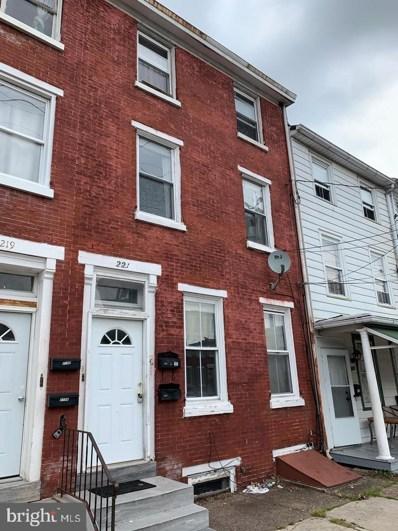 221 E Broad Street, Burlington, NJ 08016 - #: NJBL2001422
