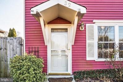 32 E 4TH Street, Burlington, NJ 08016 - MLS#: NJBL242892
