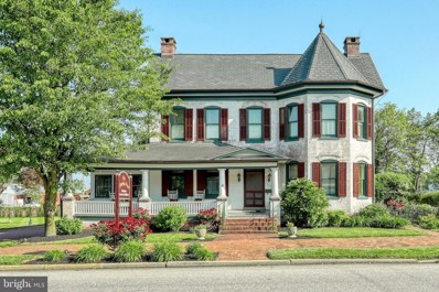 110 Lincoln Way W, New Oxford, PA 17350 - MLS#: PAAD104996