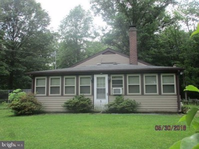 5 S Hickory Lane, New Oxford, PA 17350 - #: PAAD108008