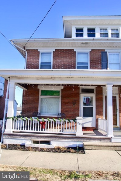 221 E 4TH Street, Boyertown, PA 19512 - #: PABK352164