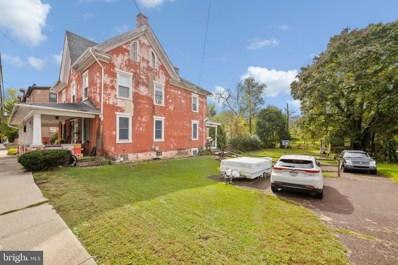 612 E Walnut Street, Perkasie, PA 18944 - #: PABU2000697