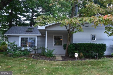 318 Oaktree Drive, Levittown, PA 19055 - #: PABU477280
