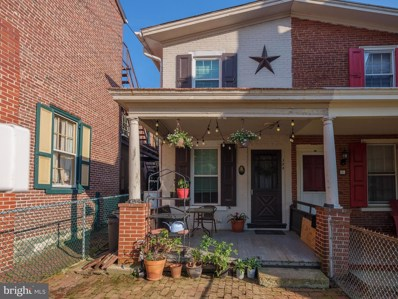 124 W Chestnut Street, West Chester, PA 19380 - #: PACT478796