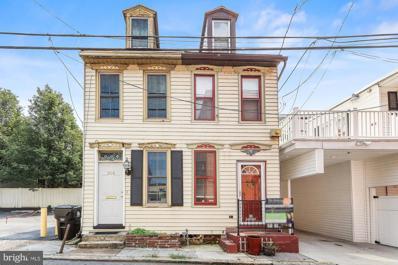 203 Sassafras Street, Harrisburg, PA 17102 - #: PADA2003500