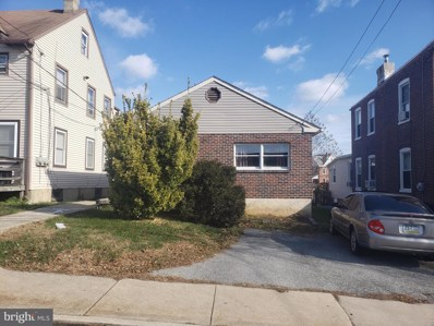 211 N Sycamore Avenue, Clifton Heights, PA 19018 - MLS#: PADE516660