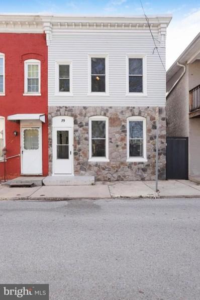 19 Cleveland Avenue, Waynesboro, PA 17268 - MLS#: PAFL164586