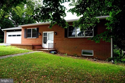 225 Rowe Avenue, Greencastle, PA 17225 - #: PAFL167836