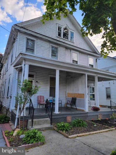 586 E King Street, Chambersburg, PA 17201 - #: PAFL179906