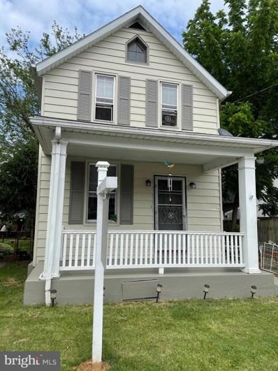 219 W King Street, Chambersburg, PA 17201 - #: PAFL180424