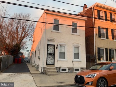 713 E Oak Street, Norristown, PA 19401 - #: PAMC372638