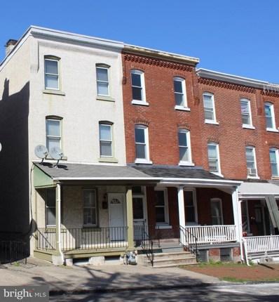 239 E Oak Street, Norristown, PA 19401 - #: PAMC603642