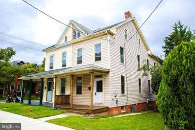 402 Locust Street, Hanover, PA 17331 - MLS#: PAYK102088
