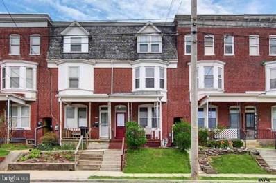 1572 W King Street, York, PA 17404 - MLS#: PAYK105358