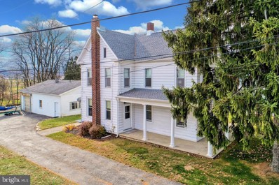 48 E George Street, York New Salem, PA 17371 - #: PAYK129086