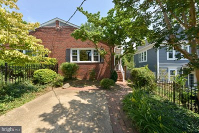 17 Groves Avenue, Alexandria, VA 22305 - MLS#: VAAX247432