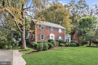 208 Buxton Road, Falls Church, VA 22046 - #: VAFA106638