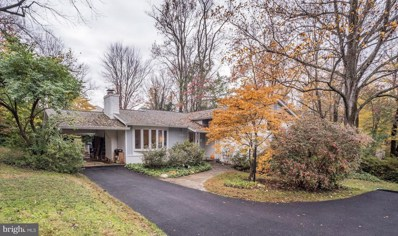 6817 Valley Brook Drive, Falls Church, VA 22042 - #: VAFX102698