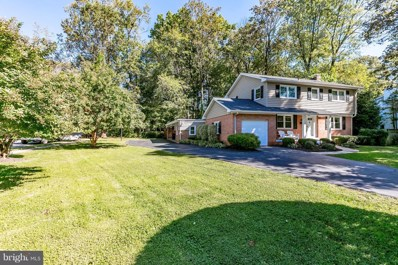 2539 Kirklyn Street, Falls Church, VA 22043 - #: VAFX103590