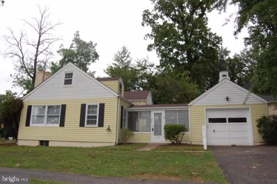 2301 Grove Avenue, Falls Church, VA 22046 - #: VAFX1060928