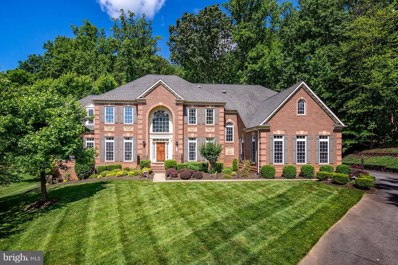 2502 Coulter Lane, Oakton, VA 22124 - #: VAFX1067268