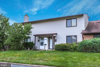 4135 Meadowland Court UNIT 18, Chantilly, VA 20151 - #: VAFX1077090
