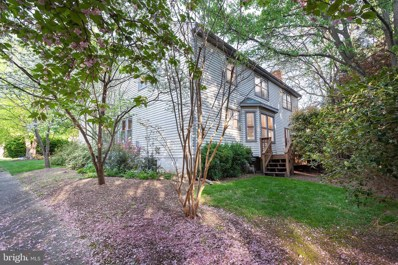 5600 Cavalier Woods Lane, Clifton, VA 20124 - #: VAFX1085470