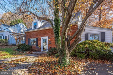 3013 Woodlawn Avenue, Falls Church, VA 22042 - #: VAFX1101080