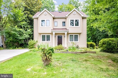 6662 Barrett Road, Falls Church, VA 22042 - #: VAFX1143272
