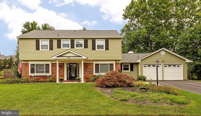4111 Meadow Hill Lane, Fairfax, VA 22033 - #: VAFX1156338