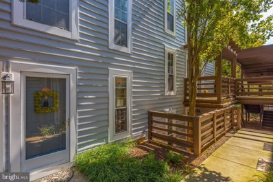 10016 Oakton Terrace Road, Oakton, VA 22124 - #: VAFX1157450