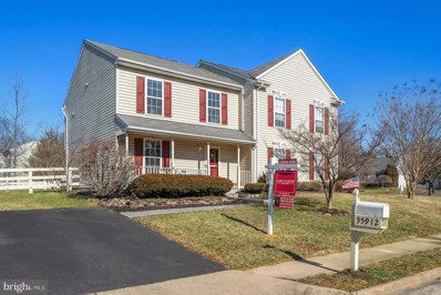 35912 Carriage Hill Drive, Round Hill, VA 20141 - #: VALO268906