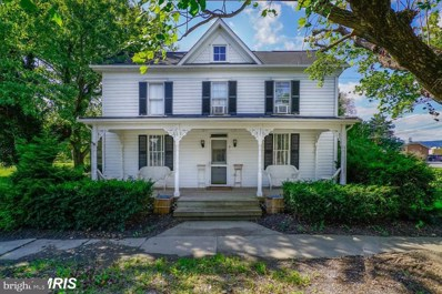 6 E Broad Way, Lovettsville, VA 20180 - #: VALO298666