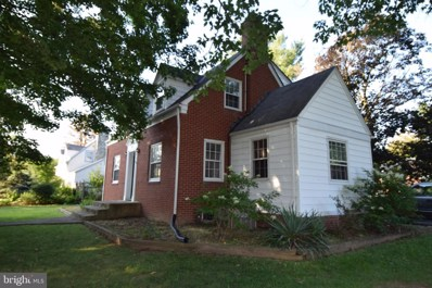 220 S 29TH Street, Purcellville, VA 20132 - #: VALO390044