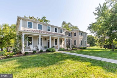 132 W Virginia Avenue, Hamilton, VA 20158 - #: VALO421090