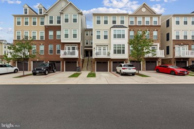 25217 Briargate Terrace, Chantilly, VA 20152 - #: VALO421306