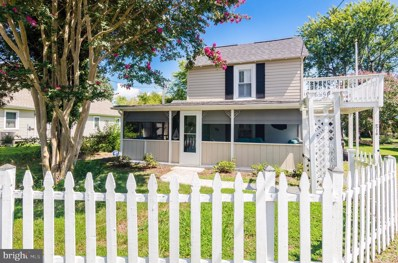 516 Monroe Bay Avenue, Colonial Beach, VA 22443 - #: VAWE115148