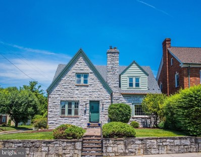 328 W Piccadilly Street, Winchester, VA 22601 - #: VAWI112708