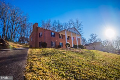 412 Luray Avenue, Front Royal, VA 22630 - #: VAWR127354