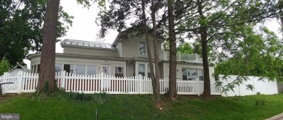 17 E Duck Street, Front Royal, VA 22630 - #: VAWR136682