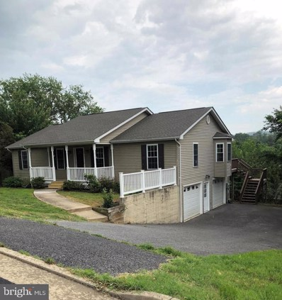 1037 Wine Street, Front Royal, VA 22630 - #: VAWR136972