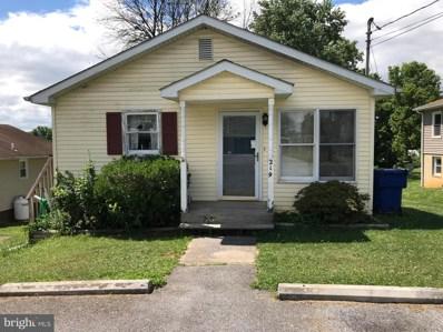 219 E 17TH Street, Front Royal, VA 22630 - #: VAWR137250