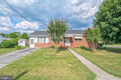 125 Clymer Avenue, Front Royal, VA 22630 - #: VAWR137386
