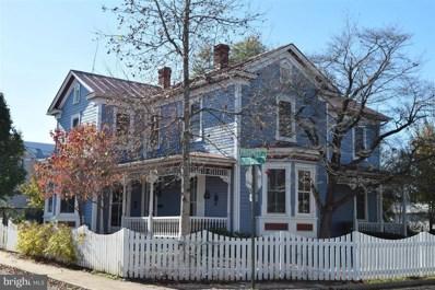 303 Blue Ridge Avenue, Front Royal, VA 22630 - #: VAWR140390