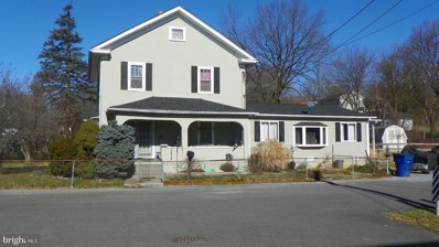 1217 N Royal Avenue, Front Royal, VA 22630 - #: VAWR142502