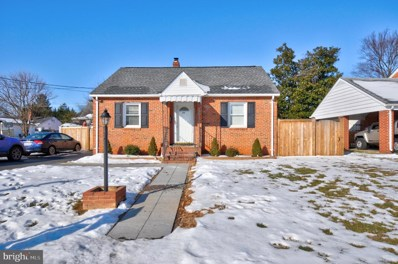 216 Washington Avenue, Front Royal, VA 22630 - #: VAWR142544