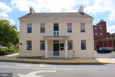 208 S Queen Street, Martinsburg, WV 25401 - MLS#: WVBE178196