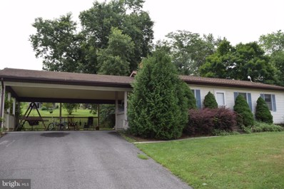 674 Harrison Avenue, Berkeley Springs, WV 25411 - #: WVMO115662